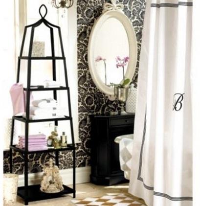 baño blanco y negro femenino