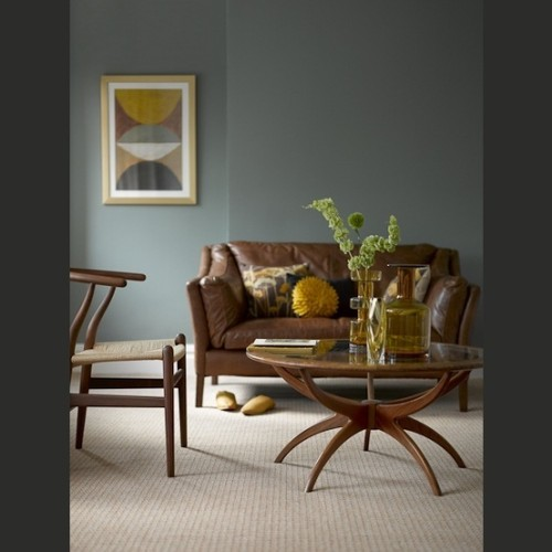 sala sofá de cuero café