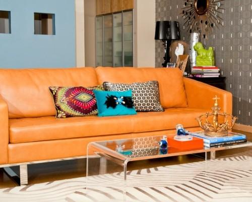 sala sofá de cuero naranja