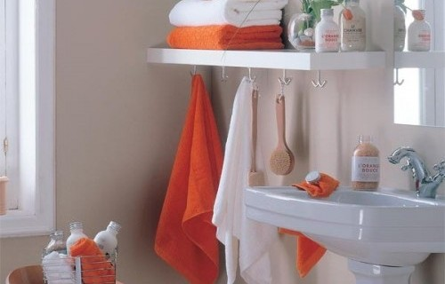 baño pequeño organizado