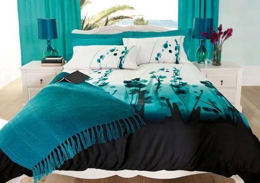 Dormitorios con color turquesa for Dormitorio azul turquesa