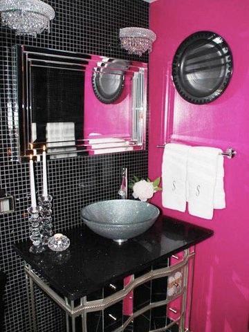 baño-fucsia-negro
