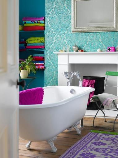 12 fotos de ba os en colores vivos - Cute girls bathroom design interior ...