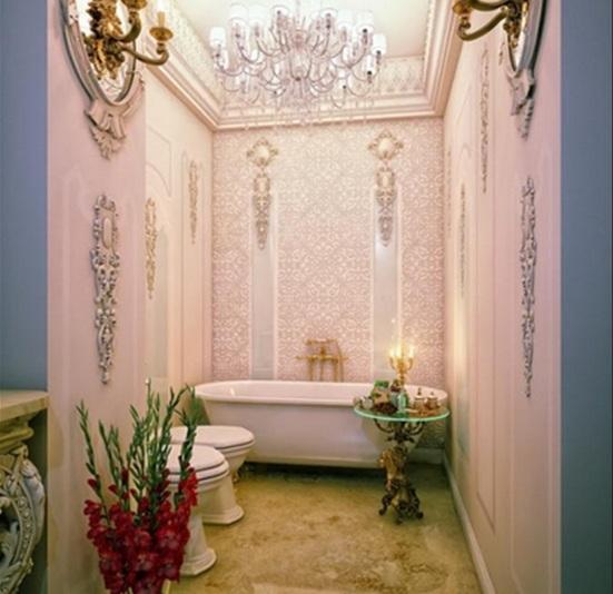 Baños Diseno Clasico:Es muy común encontrar en un baño estilo clásico las molduras de