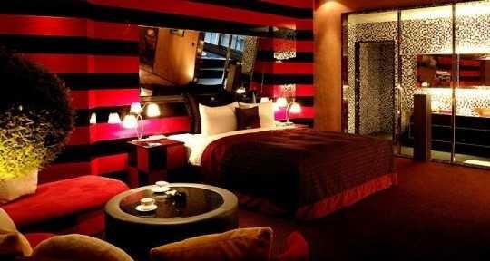 11 lindos dormitorios en color rojo for Cuarto negro y rojo
