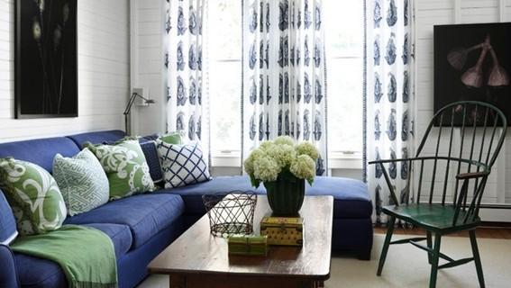 sala-decorada-sofá-azul-7