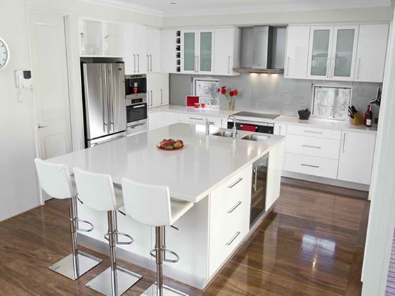 15 cocinas modernas con gabinetes color blanco for Ideas de gabinetes de cocina