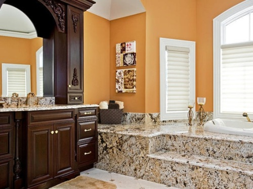 18 ba os decorados en naranja for Marmol color naranja