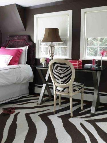 dormitoiro femenino cebra