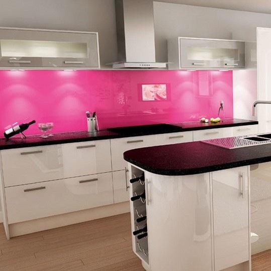 19 dise os de cocinas en color rosa for Cocinas de color rosa