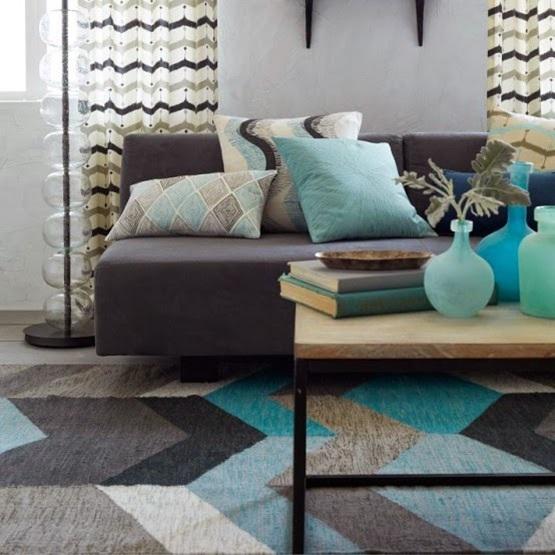 Salas de estar decoradas con azul turquesa for Sala gris con turquesa
